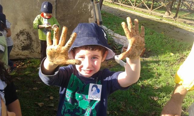 Crianças da Bogalha sujam as mãos na Quinta Pedagógica